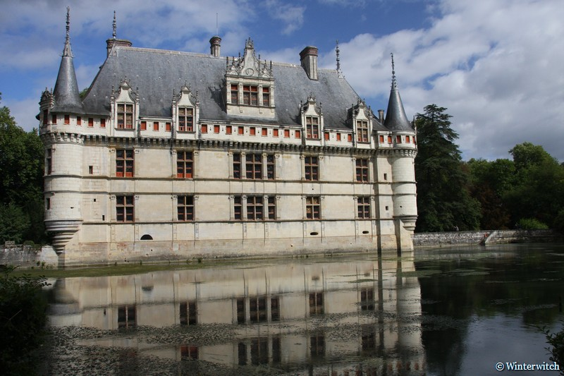Azay-le-Rideau castle, full view